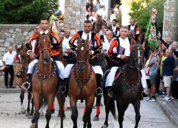 חגיגות Assunta באורגוזולו – מסורת עתיקה בדהרה פרועה…